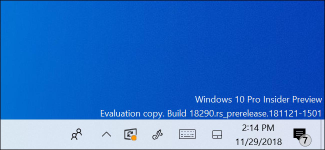 In der Taskleiste von Windows 10 wird ein Neustartsymbol für Updates angezeigt