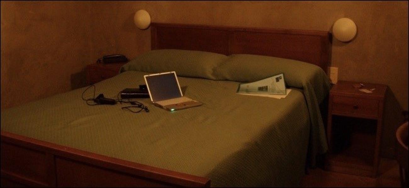 So teilen Sie die einzelne WLAN-Verbindung eines Hotels mit all Ihren Geräten