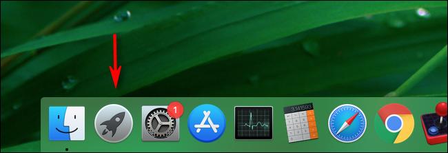 Klicken Sie im Dock Ihres Mac auf Launchpad, um es zu starten.