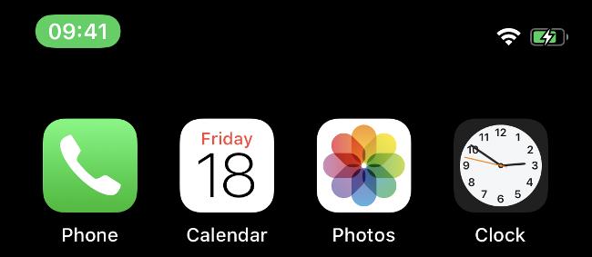 Die grüne Leiste auf einem neueren iPhone zeigt an, dass ein Anruf aktiv ist.