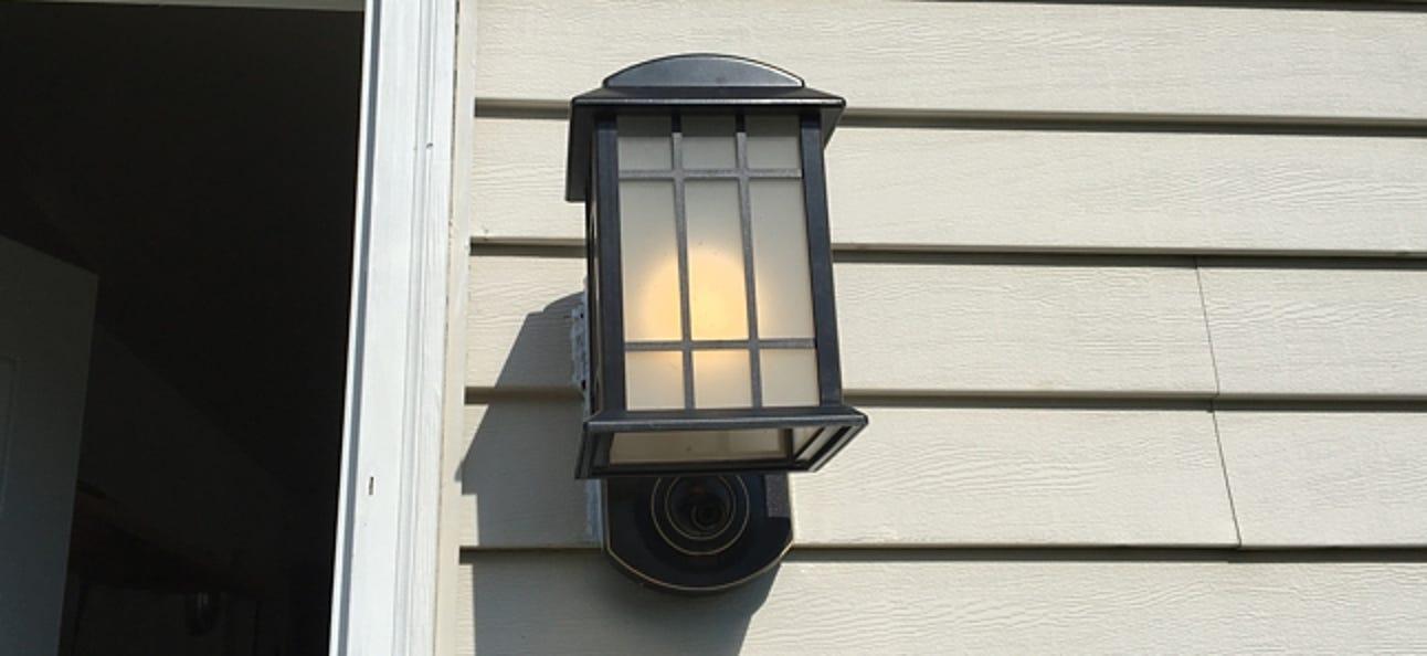 So schalten Sie Ihre Veranda-Lichter automatisch ein, wenn es mit Wink dunkel wird