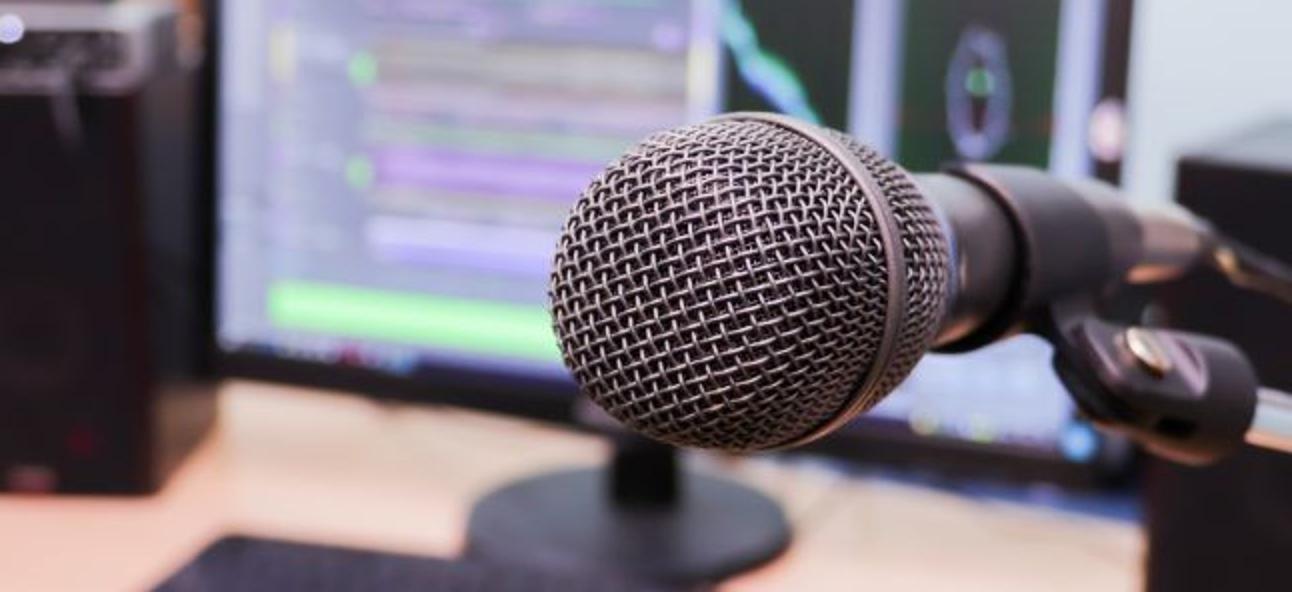 So verbessern Sie den Mikrofon Ihres Computers