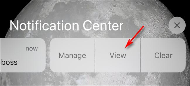 Tippen Sie im Benachrichtigungscenter auf Ansicht oder auf Sperrbildschirm, um auf dem iPhone anzuzeigen