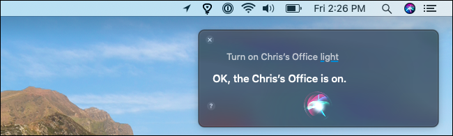 Mit Siri auf einem Mac ein Hue-Licht einschalten.