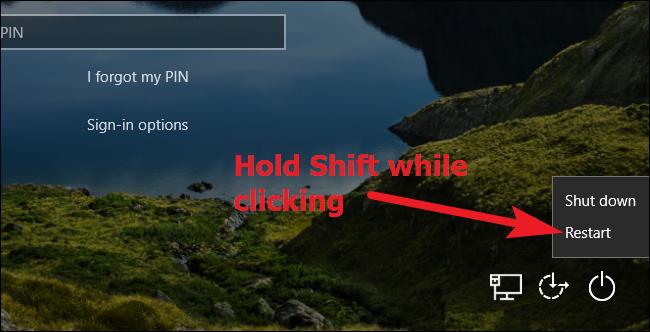 Halten Sie die Umschalttaste gedrückt, während Sie in Windows 10 auf Neu starten klicken