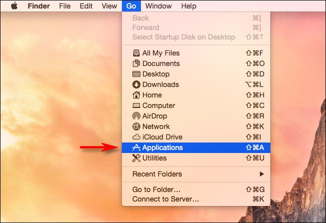 """Wählen Sie Go> Programme im Finder auf dem Mac"""" width=""""650″ height=""""446″ onload=""""pagespeed.lazyLoadImages.loadIfVisibleAndMaybeBeacon(this);"""" onerror=""""this.onerror=null;pagespeed.lazyLoadImages.loadIfVisibleAndMaybeBeacon(this);""""/></p> <p>Suchen Sie bei geöffnetem Ordner """"Programme"""" das Symbol """"Launchpad"""".  Klicken Sie darauf und ziehen Sie es in Richtung Dock.</p> <p><img class="""