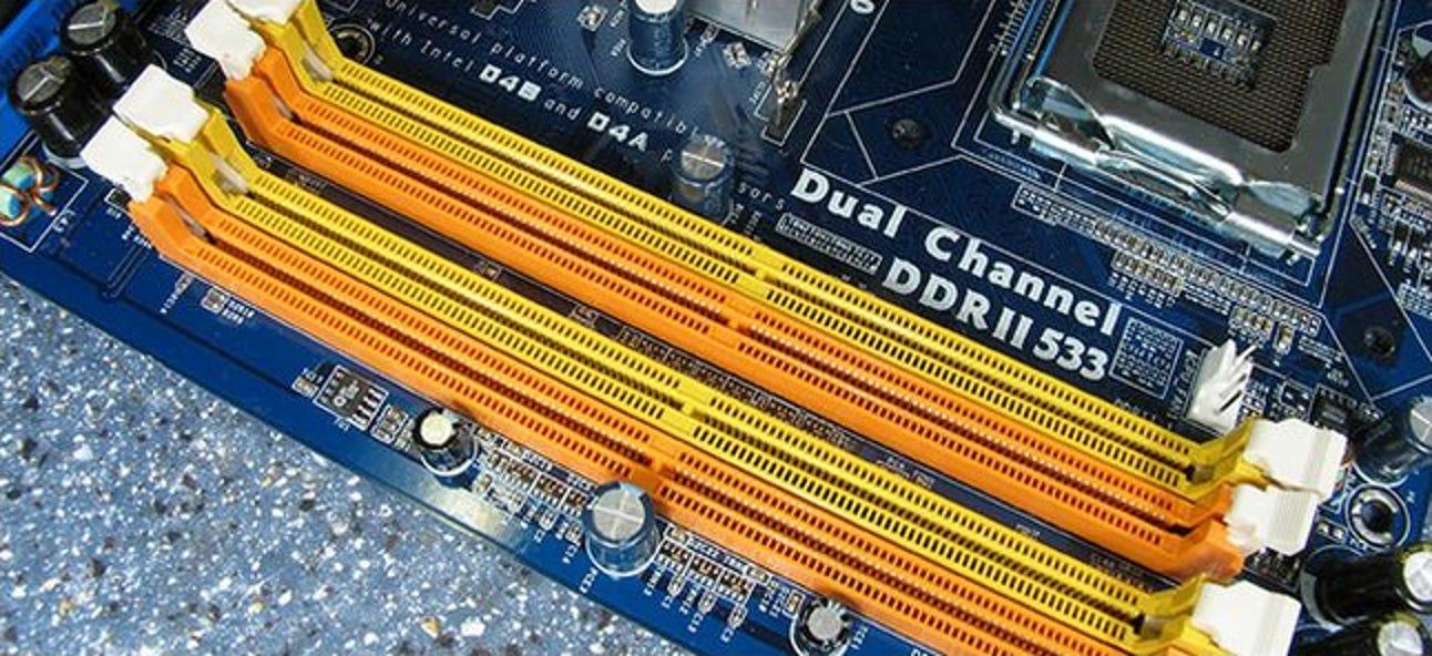 Was bedeutet die Farbcodierung des RAM-Steckplatzes auf Motherboards?