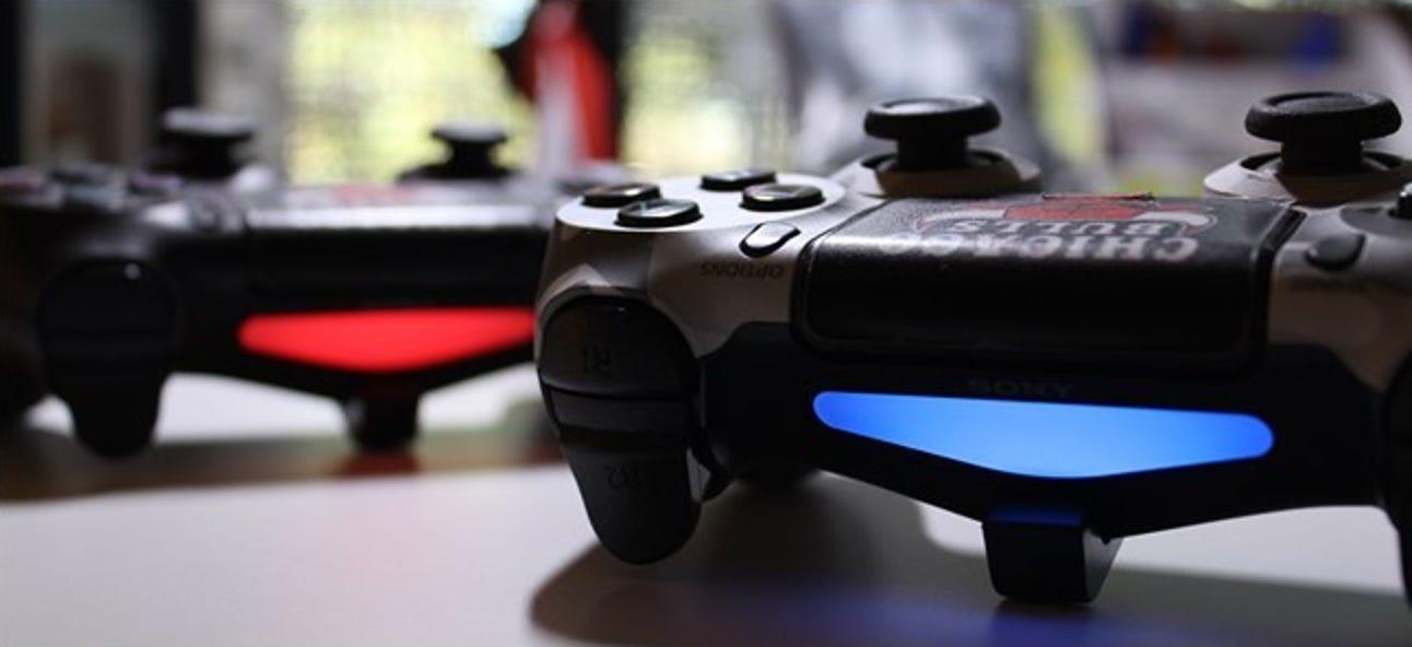 So dimmen Sie die Lichter auf dem PlayStation DualShock 4-Controller