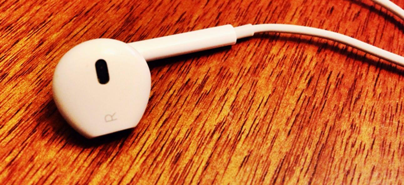 """So schalten Sie Ihr iPhone auf """"Mono"""" -Audio um (damit Sie einen Ohrhörer tragen können)"""