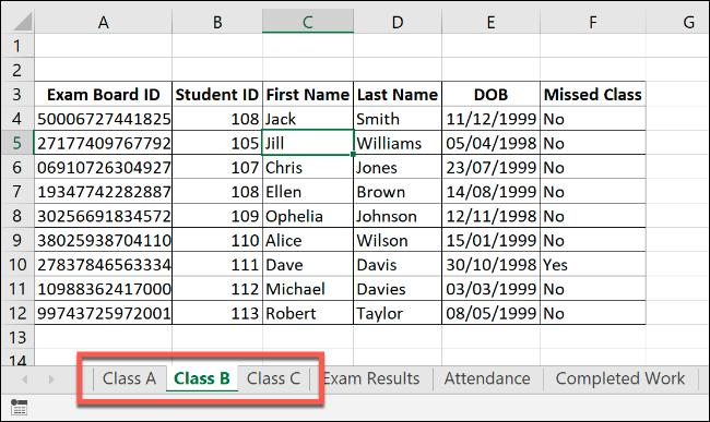 """Eine Excel-Arbeitsmappe mit ähnlichen Arbeitsblättern von """"Klasse a,"""" Klasse b,"""" und """"Klasse C."""""""