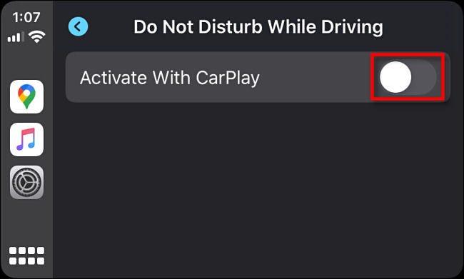 """Tippen Sie auf den Schalter neben """"Mit CarPlay aktivieren"""" in den Apple CarPlay-Einstellungen."""
