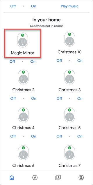 Die Google Assistant-App zeigt nicht zugewiesene Geräte an. Das Magic Mirror-Gerät ist mit einem roten Kästchen versehen