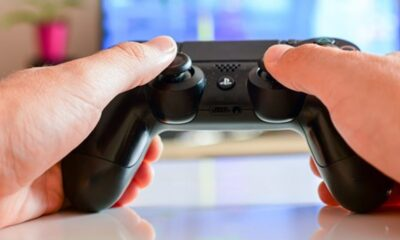 So reinigen Sie Ihre bösen Gamecontroller sicher