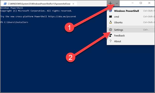 Windows-Terminal mit Pfeilen, die auf den Abwärtspfeil und die Einstellungsoptionen zeigen.
