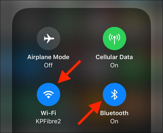 Tippen Sie auf die Wi-Fi- oder Bluetooth-Schalter, um das Bedienfeld zu erweitern
