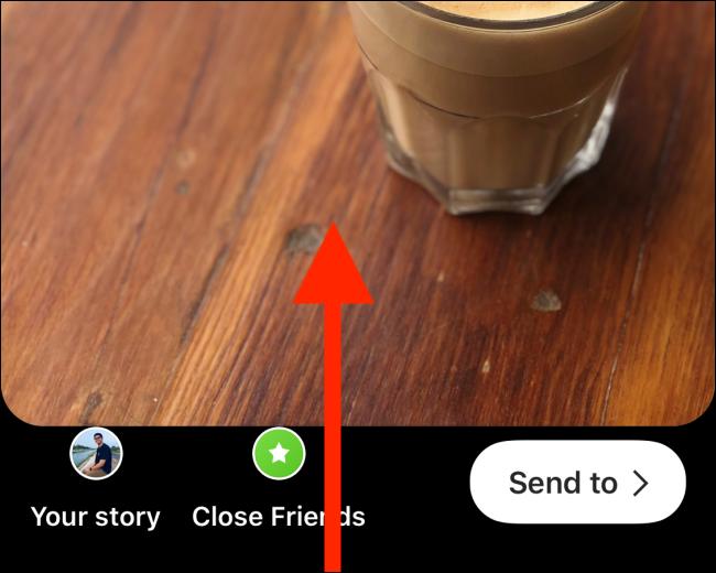 Wische nach oben, nachdem du deine Instagram Story erstellt hast