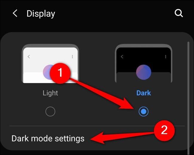 """Samsung Galaxy S20 Auswählen """"Dunkler Modus."""" Du kannst auch auf tippen """"Einstellungen für den dunklen Modus."""""""