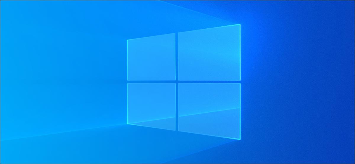 Der helle Desktop-Hintergrund von Windows 10.