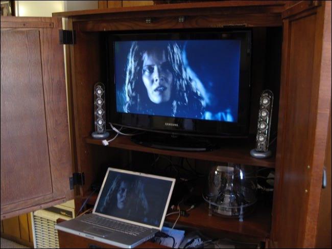 iTunes im Fernsehen über Laptop