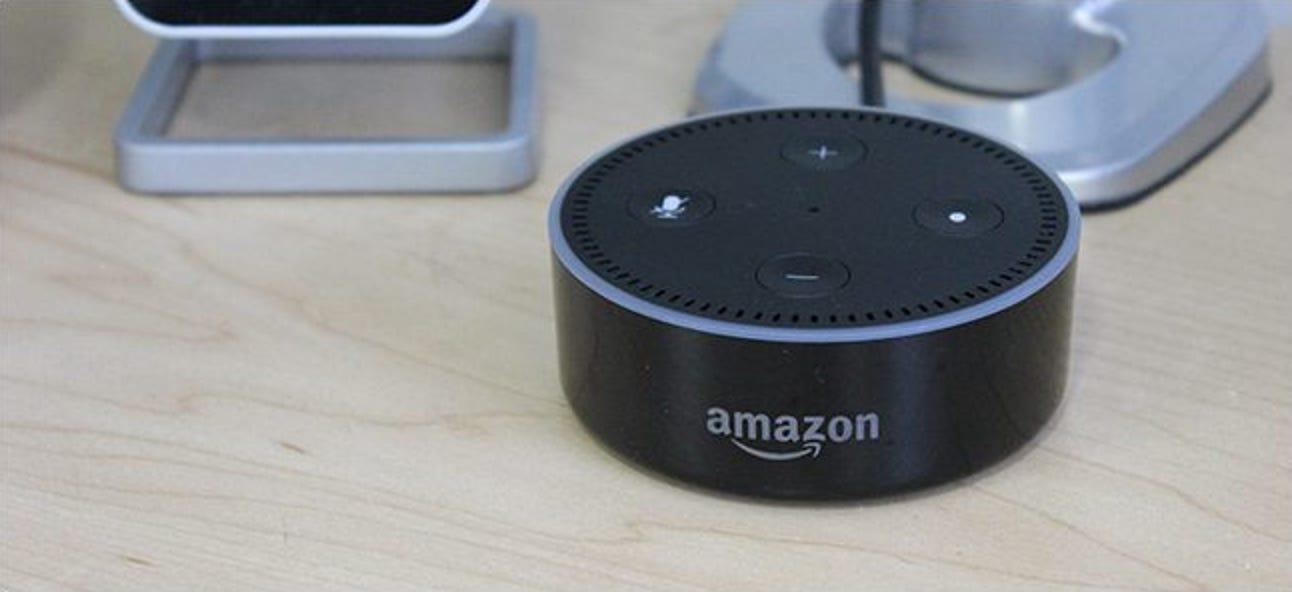 """Wie Sie Ihr Amazon Echo dazu bringen, einen Ton abzuspielen, wenn Sie """"Alexa"""" sagen"""