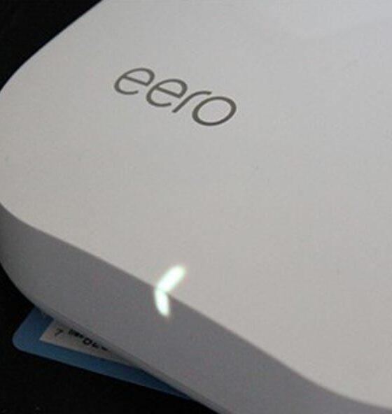 So schalten Sie die LED-Leuchten Ihrer Eero Wi-Fi-Einheiten aus