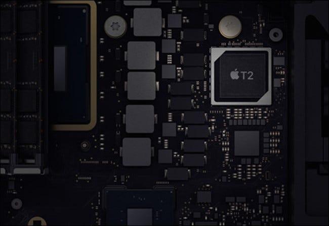 Ein T2-Sicherheitschip in einem 2019 Mac mini.